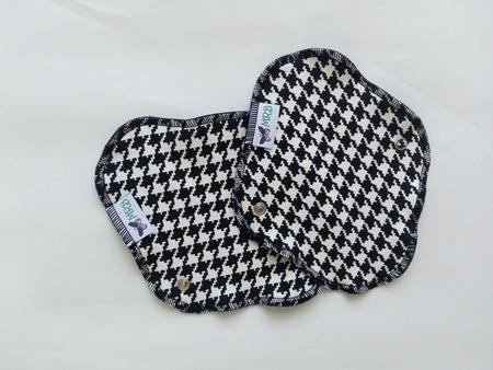 wkładka higieniczna mini czarna pepitka (1)